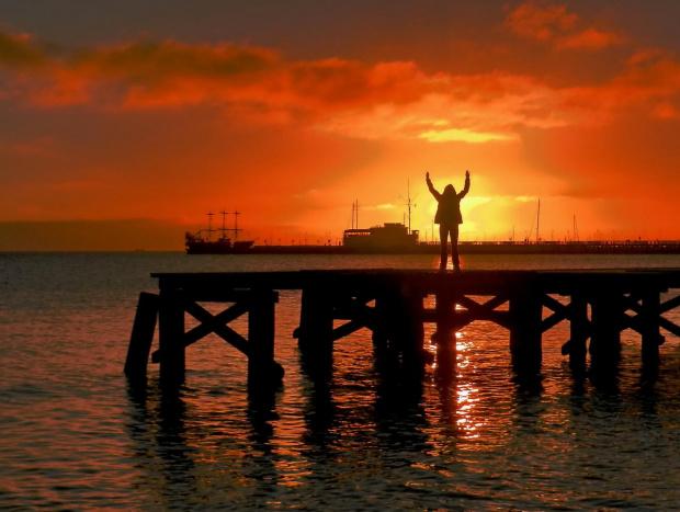 Witaj, Słońce; witajcie pomosty...