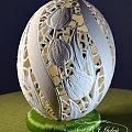 strusie jajo pisanka rzeźba na naturalnej skorupce autor Bogusława Justyna Goleń #pisanka#dekoracje#egg#carved