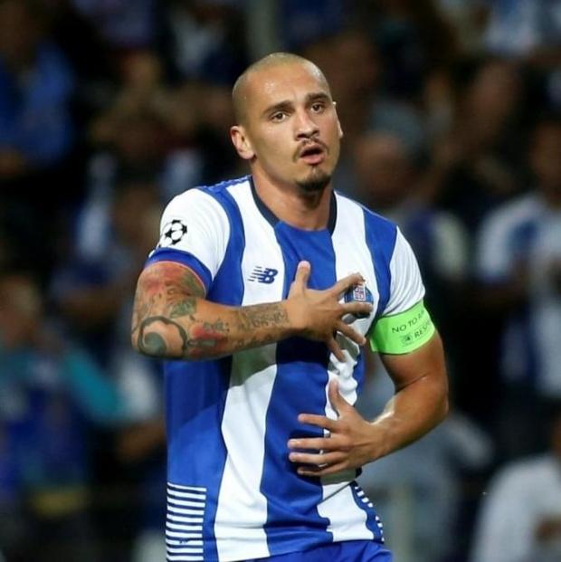 Oficjalnie: Maicon wraca do FC Porto!